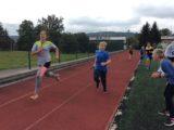 První běžci na trati.